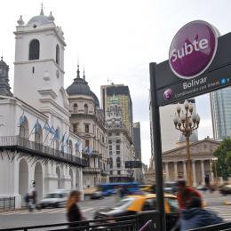 Estación Bolívar del Subte E
